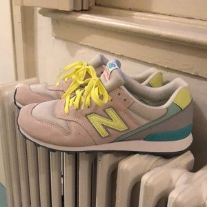 New balance women's size 9 sneakers style 696